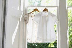 Menghilangkan Noda Luntur Baju Putih