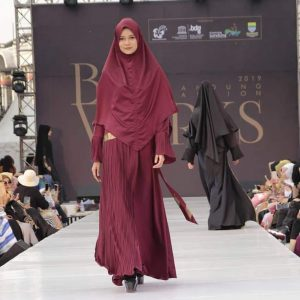 Rosmala Syari Muslim Fashion_Red Series